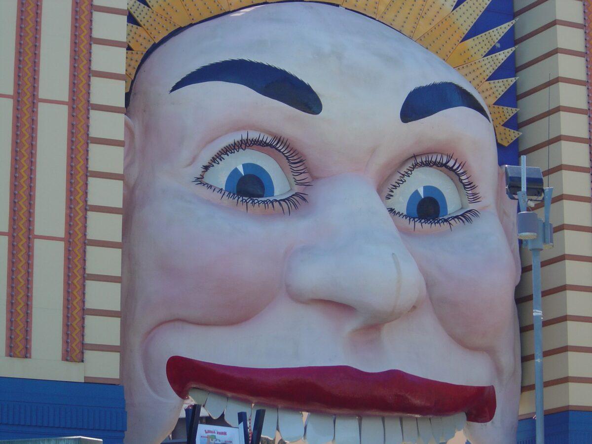 Luna Park Sydney - Face entrance way